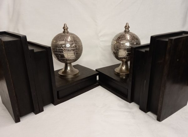 Antique style Bookends with turnable globes